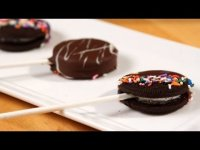 How to Make Chocolate-Covered Oreo Pops
